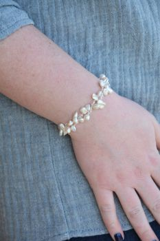 Sterling Silver Stretch Pearl Bracelet