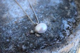 Silver Turtle Freshwater Pearl Necklace - Galatea