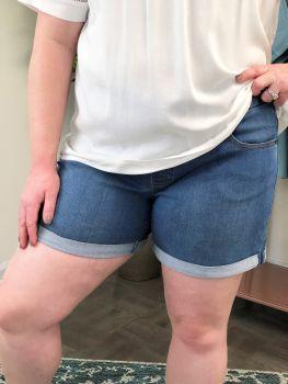 Time For The Sun Denim Shorts - Light Denim