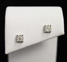 10K White Gold Diamond Cluster Earrings - .27CT
