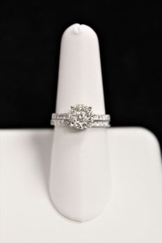 14K White Gold Diamond Engagement Set - 1CT