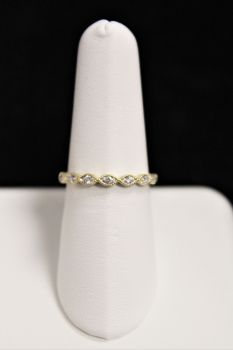 10K Yellow Gold Diamond Wedding Band - .10CT