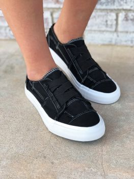 Stay Awhile Sneakers - Black